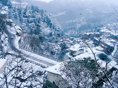 Looking for a special destination for your honeymoon? Himachal is one of the most favourite honeymoon destinations in India. Book Himachal tour packages for couple from Vibrant Holidays. We provides you cheapest tour package for Shimla. Honeymoon Destinations, Holiday Destinations, Honeymoon Packages, Best Places To Travel, Cool Places To Visit, Wonderful Places, Beautiful Places, India Tour, Shimla