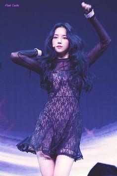 Son Na Eun Apink❤180702 Kpop Girl Groups, Korean Girl Groups, Kpop Girls, Pretty Korean Girls, South Korean Girls, Korea Fashion, Kpop Fashion, Son Na Eun, Outfits