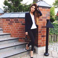 …met een nette blazer, stretchy skinny jeans en mijn favo chique Valentino hakken