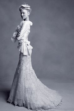 This edwardian wedding gown is absolutely stunning. What amazing style!