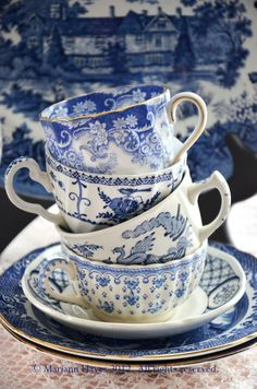 Blue and white china transferware Blue And White China, Blue China, Love Blue, Vintage Dishes, Vintage China, Vintage Cups, Delft, Chinoiserie, White Tea Cups