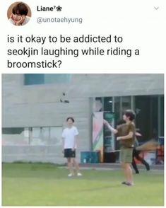 Bts Bangtan Boy, Bts Taehyung, Bts Jungkook, Bts Memes Hilarious, Bts Funny Videos, Bts Video, Foto E Video, Bts Love, Bts Playlist