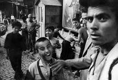 Image result for william klein street photography Annie Leibovitz Photography, William Klein, Weegee, French Photographers, Holy Family, Photography Tutorials, Professional Photographer, Street Photography, Documentaries