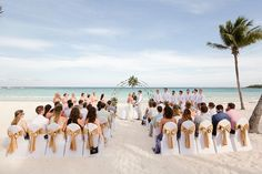 What a beautiful ceremony on the beaches of Riviera Maya