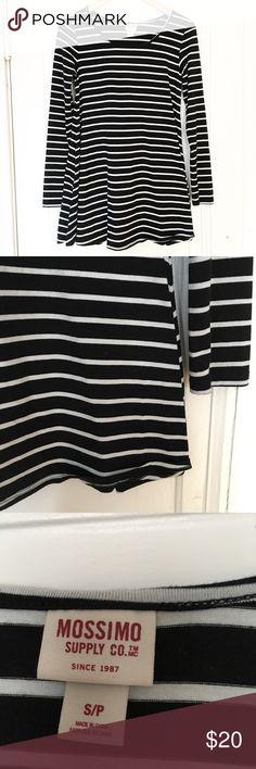 Mossimo Black And White Striped Tunic Excellent preloved condition. No rips or stains. First picture filtered. Please no trades. Mossimo Supply Co Tops Tunics