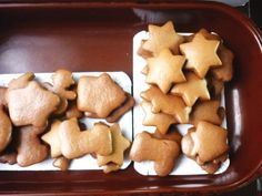 Jak upéct výborné perníčky | hned měkké | recept Christmas Is Coming, Christmas Goodies, Xmas, Gingerbread Cookies, Easter, Sweets, Candy, Cheese, Baking