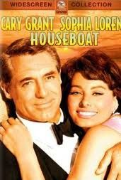 HOUSEBOAT starring Cary Grant & Sophia Loren ~ loved this happy movie. Cary Grant was very much in love with Sophia Loren and wanted to marry her, but she married Carlo Ponti instead. Old Hollywood, Golden Age Of Hollywood, Hollywood Stars, Classic Hollywood, Hollywood Icons, Hollywood Glamour, Hollywood Gossip, Cary Grant, Sophia Loren