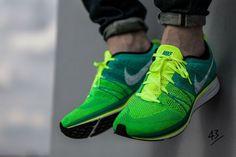 Nike Flyknit Trainer: Green