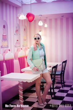Keep Calm & Eat Donuts - shooting by Johanna Guerra  http://nofacenoname.blogspot.fr/2015/03/keep-calm-eat-donuts.html  No Face No Name blog : www.nofacenoname.blogspot.fr  Instagram : @nofacenonameblog Twitter : @nfnnblog Facebook : https://www.facebook.com/nofacenonameblog  #candy #bonbon #gourmandise #gluttony #pastel #rose #pink #cupcake #pinkhair #bleu #blue