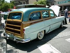 1953 Chevrolet station wagon by ~RoadTripDog on deviantART Cool Trucks, Cool Cars, Bel Air Car, Station Wagon Cars, Surf Rods, Woody Wagon, Traditional Hot Rod, Chevrolet Caprice, Panel Truck