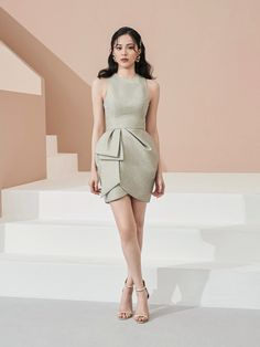 Edgy Chic, Short Dresses, Formal Dresses, Stylish Outfits, Cool Girl, Peplum Dress, Feminine, Gowns, Fashion Design