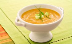 Roasted Acorn Squash Soup (with a hint of maple syrup) Buttercup Squash, Fall Recipes, Soup Recipes, Vegetarian Recipes, Squash Soup, Acorn Squash, Canadian Cuisine, Apple Soup
