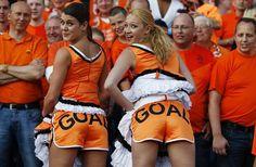 volgende wedstrijd dan?! Soccer Fans, Football Fans, Holland Girl, Euro 2012, Football Girls, Cheer Skirts, Fangirl, Beautiful Women, Sexy
