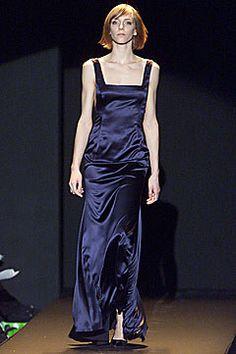 Carolina Herrera Fall 2001 Ready-to-Wear Fashion Show - Carolina Herrera, Danita Angell