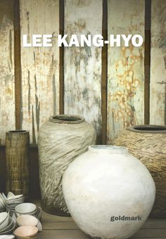 Catalogue for Lee Kang-hyo pottery exhibition held at Goldmark Gallery in November 2014.