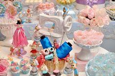 60 new Ideas birthday table pink mice Cinderella Sweet 16, Cinderella Theme, Cinderella Birthday, Princess Birthday, Cinderella Centerpiece, 5th Birthday Party Ideas, Birthday Party Tables, 10th Birthday Parties, Birthday Party Decorations
