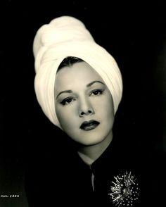 vintage 1940s turban | giant headpiece 40s