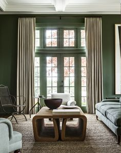 Beautifully elegant tailored curtains that would have been custom made to fit the space perfectly »« Mark Cunningham Inc.