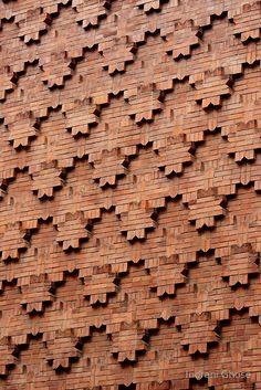 brick patterns on wall / Turin, Italy