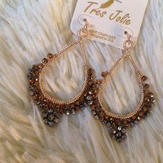 """Black / gold drop earrings Beautiful elegant earrings . Black/gold. About 2.5 """" long. Price firm unless bundle. Jewelry Earrings"""