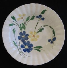 Pattern BRP 112 Blue Ridge Colonial Bowl in Near-Mint Condition Hand Painted Pottery, Pottery Painting, Ceramic Painting, Watercolor Projects, Beautiful Soup, Vegetable Bowl, Soup Bowls, Rice Bowls, China Plates