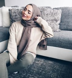 Instagram: @sauf.etc Pinterest: @eighthhorcruxx. #hijab #hijabfashion #hijabstyle #hijabstreetstyle #modest #modestfashion #abaya #muslimah #muslim #style #ootd #outfitideas #casual #outfitinspo #casual #streetstyle #eighthhorcruxx