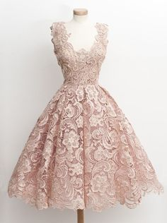 Vintage A-Line V-Neck Knee Length Blush Prom/Homecoming Dress with Lace