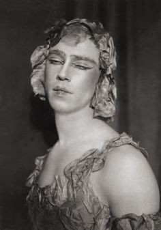 vaslav nijinsky por auguste bert em 1911 was a Russian danseur and choreographer of Polish descent, cited as the greatest male dancer of the early 20th century.[3][4] He grew to be celebrated for his virtuosity and for the depth and intensity of his characterizations. He could perform en pointe, a rare skill among male dancers