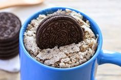 Fast and good: microwave cake Viennese - Oreo Mug Cake - Dessert Micro Onde, Mug Cake Micro Onde, Mug Recipes, Sweet Recipes, Dessert Recipes, Cake Recipes, Oreo Dessert, Quick Recipes, Recipies