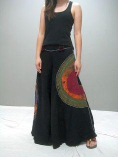 Circle motif repurposed t-shirt upcycled, altered skirt Look Fashion, Diy Fashion, Ideias Fashion, Fashion Outfits, Fashion Design, Mode Outfits, Skirt Outfits, Dress Skirt, Ethno Style