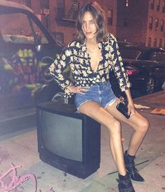 ALEXA CHUNG: O estilo da queridinha do m... - FashionBreak