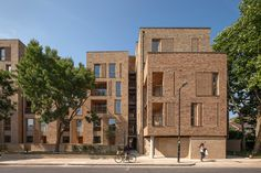 Royal Road by Panter Hudspith Architects. Photograph by Morley Von Sternberg Social Housing Architecture, British Architecture, Brick Architecture, Architecture Wallpaper, Amazing Architecture, Brick Facade, Brick Detail, London House, Arquitetura