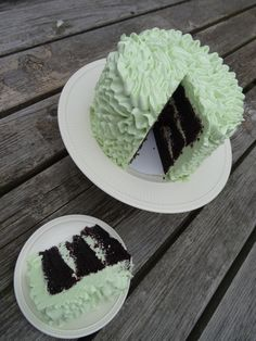 Black magic cake met vanille Zwitserse (meringue)botercrème