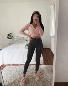 45 Cute Crop Tops Every Girl Should Own in 2019 - Summer outfits Basic Outfits, Teen Fashion Outfits, Mode Outfits, Girly Outfits, Cute Fashion, Outfits For Teens, Look Fashion, New Outfits, Cute Summer Outfits
