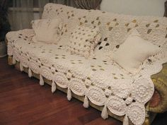 See what a beautiful blanket for your home, as we know, is one of the pieces that will make your more attractive and comfortable sofa . Crochet Bedspread, Crochet Blanket Patterns, Baby Blanket Crochet, Crocheted Afghans, Afghan Patterns, Knit Patterns, Blanket Yarn, Knitted Blankets, Crochet Furniture