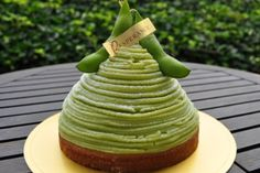 Edamame Mont Blanc 枝豆のモンブラン | Pâtisserie Esperance Sweets Recipes, Just Desserts, Delicious Desserts, Cake Recipes, Green Tea Ice Cream, Green Tea Recipes, French Patisserie, Beautiful Desserts, Little Cakes
