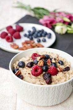 Das schnelle und leckere Vanille-Porridge ist absolut kindertauglich und sorgt für einen gesunden Start in den Tag. Und das Beste: Ihr braucht nur 4 Zutaten