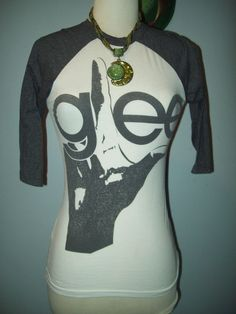White Gray Sleeves GLEE T-shirt top tee Gleeks 2011 Fox Small S comfy TV series #glee #GraphicTee