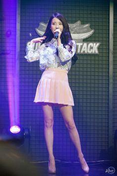 Stage Outfits, Skirt Outfits, Iu Fashion, Korean Fashion, Kpop Girl Groups, Kpop Girls, Korean Beauty, Asian Beauty, Girl Korea