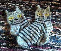 Crochet Patterns Mittens After Christmas, the needle has been wearing the Anelmaiset. First sock I got ready . Baby Booties Knitting Pattern, Crochet Cat Pattern, Baby Knitting Patterns, Crochet Baby, Crochet Patterns, Knitted Slippers, Knit Mittens, Knitting Socks, Knitting For Kids