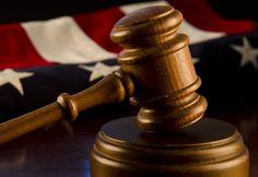Два обвиняемых по делу компании Legendz осуждены в Оклахоме.  Департамент юстицииСША распространила пресс-релиз, извещающий о том, что федеральный суд присяжных в городе Оклахома-Сити осудил двух человек, по делу участия в незаконном игорном бизнесе.