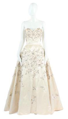 dd51b85f83b A Pierre Balmain haute couture dress, circa 1954 - $43609.45 :  WilliamVintage Haute Couture Looks