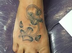 Probably the most lovely locations for a tattoo is the foot. On this uncommon physique half tattoos look actually beautiful. There are lots of totally different tattoos that you should utilize from a butterfly to Hamsa Hand Tattoo, Dragonfly Tattoo, Hand Der Fatima, Tattoos Familie, Skull Artwork, Different Tattoos, Family Tattoos, Chic, Dragonflies