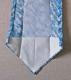 Tutorial with free pattern to sew a man's tie