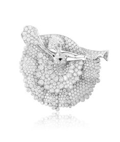 Van Cleef & Arples Diamond dancer decor clip from the Bals de Légende collection
