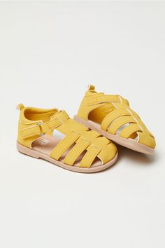 Imitation leather sandals with an ankle strap with a hook and loop fastener and a loop at the back. Imitation leather linings and insoles and rubber soles. Baby Girl Shoes, Kid Shoes, Girls Shoes, Shoes Sneakers, H&m Online, Fashion Online, Kids Fashion, Girl Outfits, Clothes