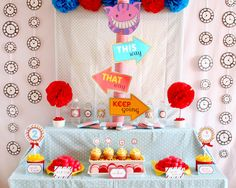 Alice in Wonderland #decor #kid #table #sweet