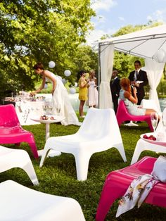 Add a fun lounge area to your outdoor reception with IKEA PS VÅGÖ easy chairs!