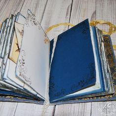 Prusian blue wedding guest book photo por SevenMemoriesBookArt