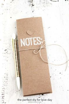 What a cute DIY notebook. Learn how to make one just like it! /BR | Inspirationave